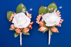 Персиковые бутоньерки для свидетелей,сватов №14