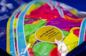 Воздушные разноцветные шарики-неоновые
