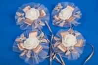 Пудровые бутоньерки на свадебную машину №6