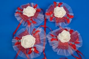 Красные бутоньерки на свадебную машину №11