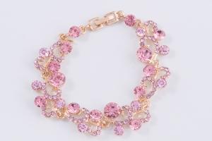 Браслет с розовыми камнями - настроение