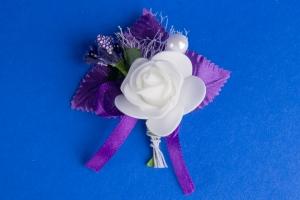 Темно-фиолетовая бутоньерка №15