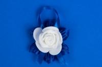 Синие бутоньерки для гостей №19