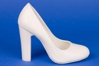 Свадебные белые туфли на высоком каблуке