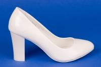 Свадебные белые лаковые туфли