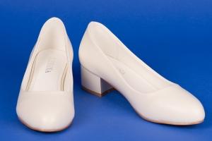 Туфли бежевые на низком ходу