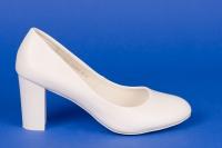 Белые закрытые туфли на свадьбу