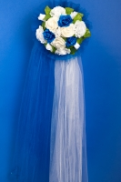 Свадебное украшение на капот в синем цвете
