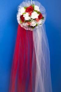 Свадебное украшение на капот машины